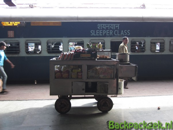 Treinreizen in India - op het station