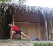Surfmeisje in Arugam - Yoga